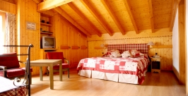 chambre_carreaux3_Hotel-4-Vallees-Verbier.JPG